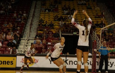 NMSU Volleyball Bounces Back With Win Over Chicago State