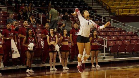 NMSU Volleyball knocks off UMKC