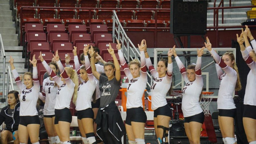Volleyball Sweeps In-State Rival UNM