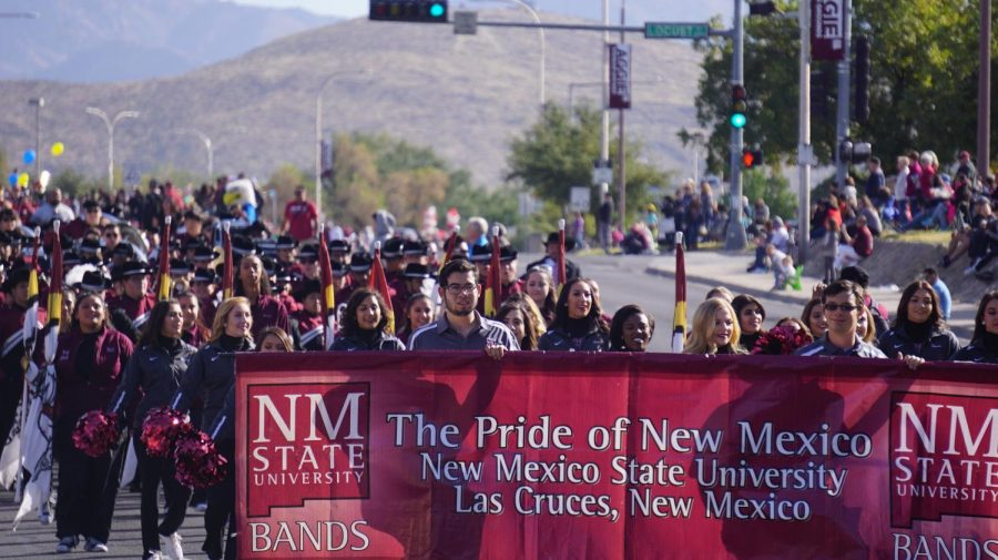 The+bands+of+NMSU+entered+the+parade+strong.
