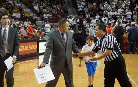 COMMENTARY: Crowd support down the stretch could help keep Chris Jans at New Mexico State