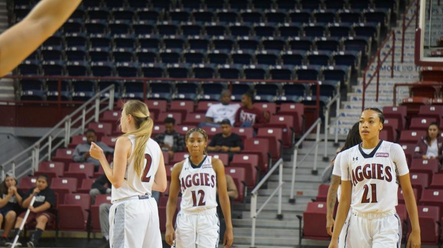 NMSU's women's basketball team overcomes end-of-the-half offensive struggles to beat UMKC.