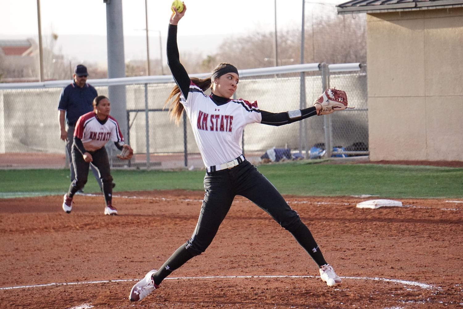 Kayla Green pitches a hard ball against the University of Kentucky Wildcats