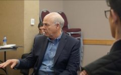 Congressman Steve Pearce talks to NMSU students