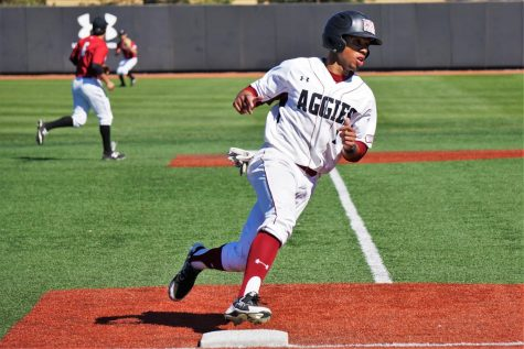 New Mexico State routs Harvard in series finale; Aggies win three of four in weekend series