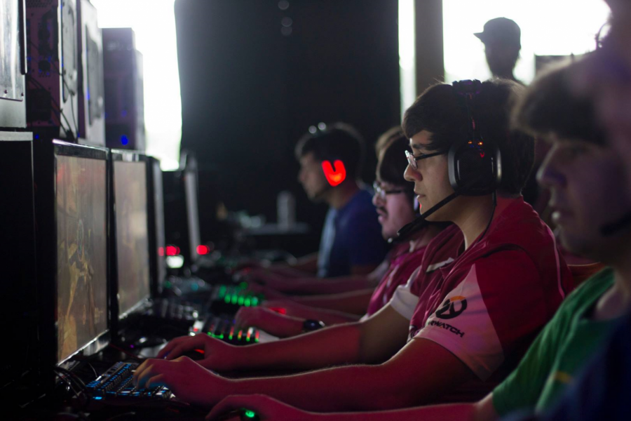 NMSU+Esports+has+over+100++people+in+their+discord.