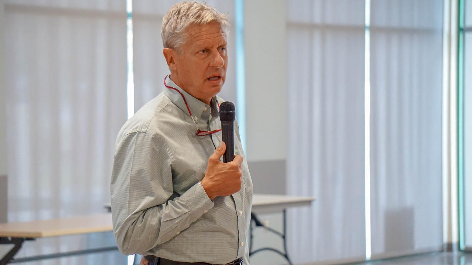 Gary Johnson stopped by NMSU to discuss his platforms as the Libertarian candidate for the U.S. Senate.