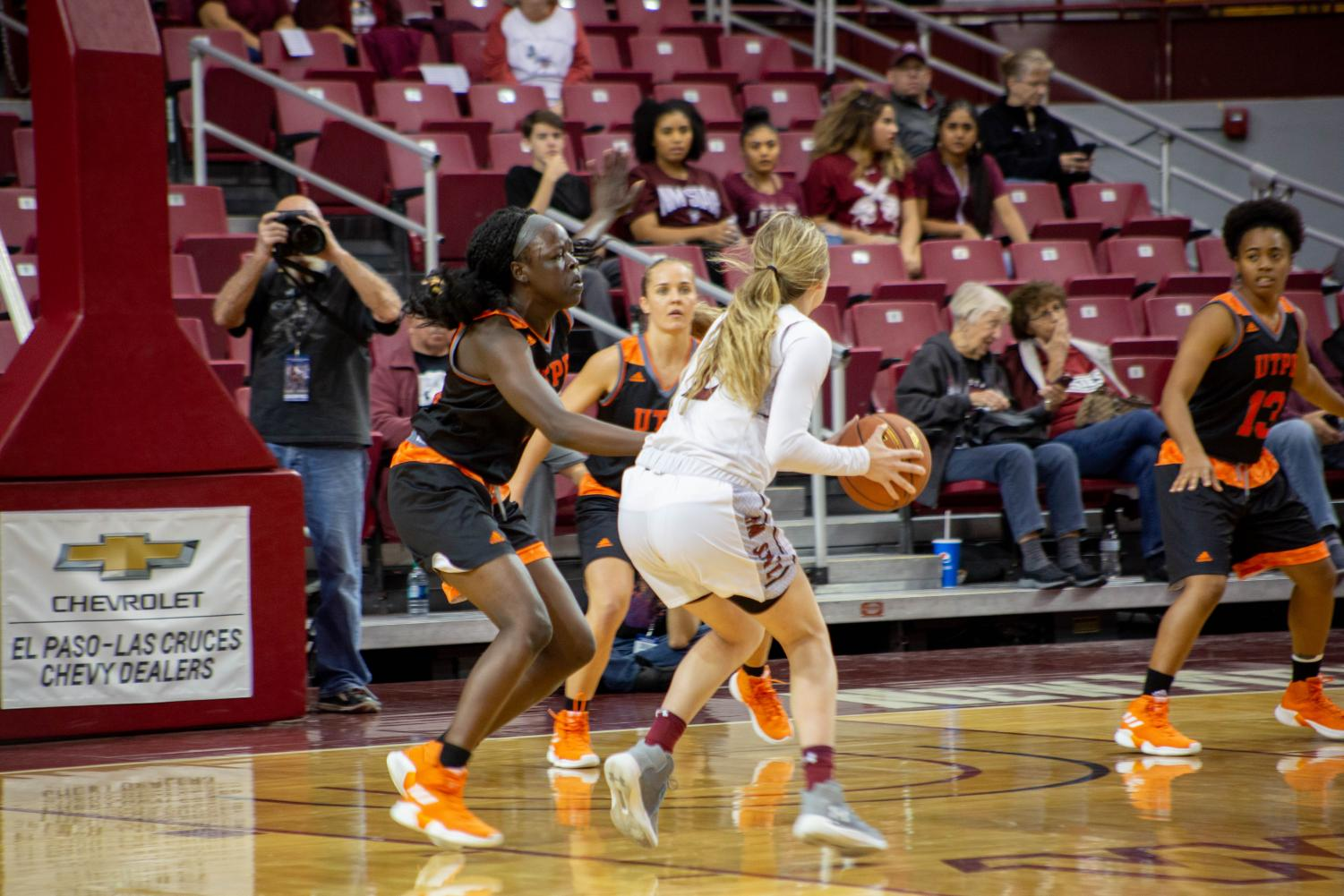 Brooke Salas helps NM State crush Chicago State 77-54, finishing her illustrious career at the Pan Am as the Aggies celebrated senior day.