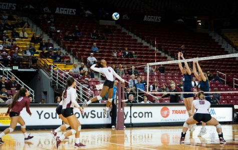 NM State volleyball reach the 20-win mark in their victory over California Baptist