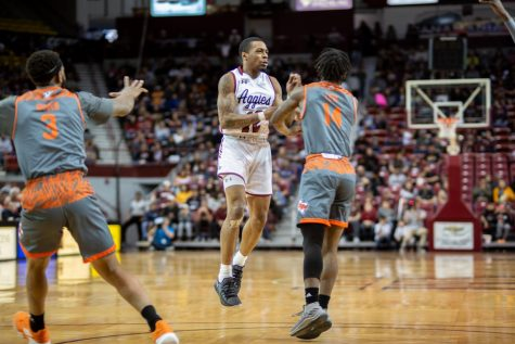 Aggies clinch top seed in WAC Tournament, share of regular season title with win over UTRGV