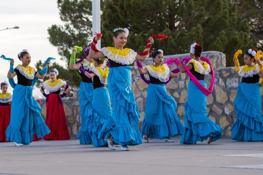 Folklorico+dancers+perform+outside+Corbett+Center+Tuesday+afternoon.