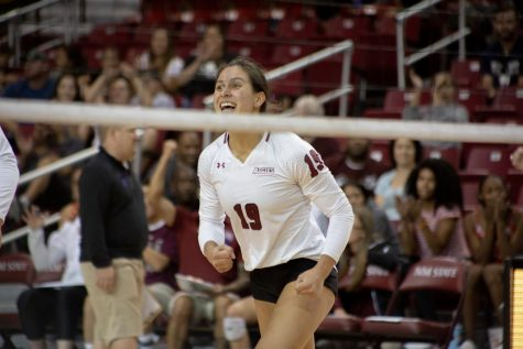 Elite form continues for NM State volleyball as they make easy work of GCU