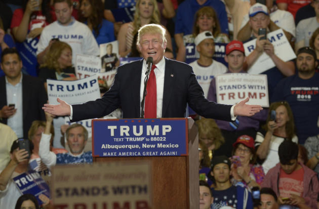 President+Trump+excites+a+crowd+at+the+Rio+Rancho+Rally+held+Sept.+16.+Photo+Courtesy+Albuquerque+Journal.+%28Greg+Sorber%29+