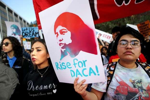 People+rally+to+support+DACA+recipients+in+Los+Angeles+Nov.+12.+Courtesy+MSNBC+%28Photo+by+Mario+Tama%29
