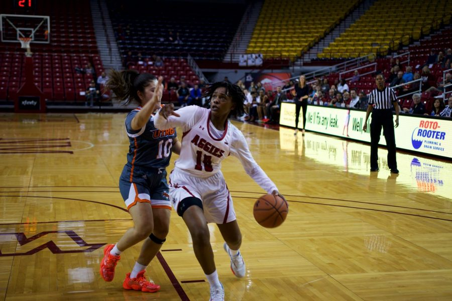 Adrianna Henderson comes up clutch in NM State's 76-75 win over UT Rio Grande Valley.