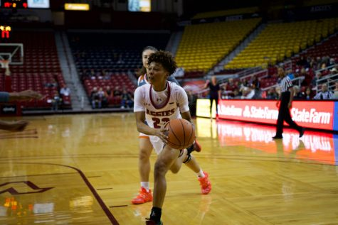 Aaliyah Prince goes off for 20 points and 10 boards in NM State's 67-62 OT win over the Roadrunners.