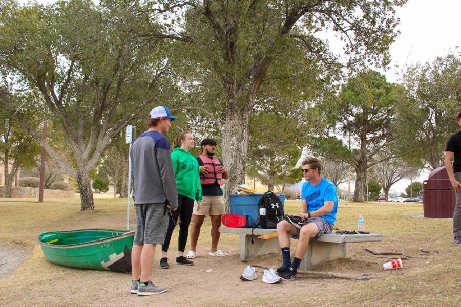 The NMSU Concrete Canoe Team preparing for practice on the duck pond.