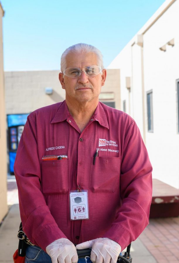 Alfredo+Cadena+reflects+over+his+45+years+working+at+NMSU.