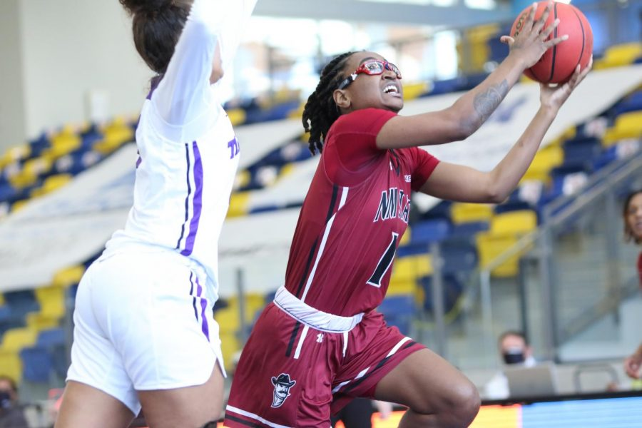 Shania Harper erupts for a career high 11 points in the first half in NM State's senior day win over the Texans. (Photo courtesy of NMSU Athletics)