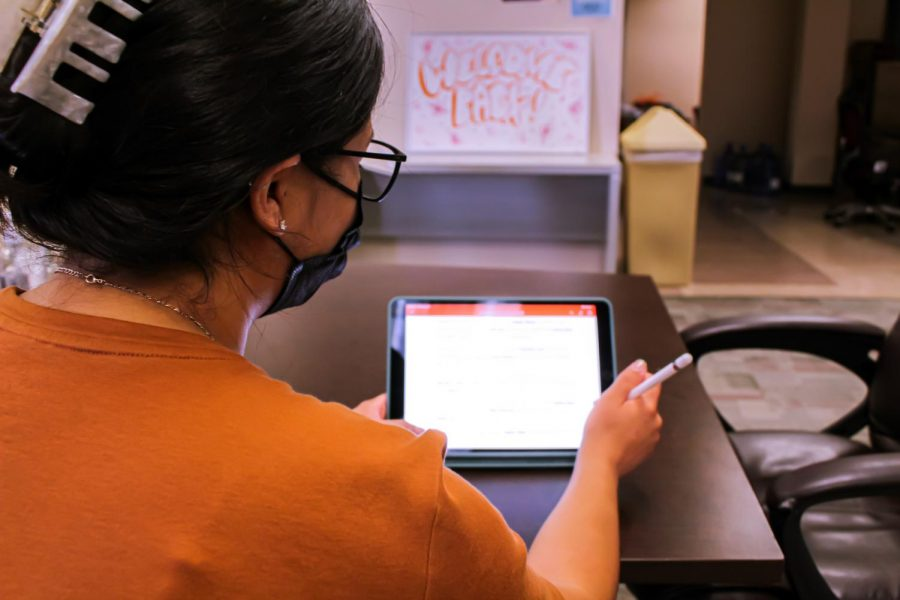 NMSU plans to give every first-year student an iPad bundle